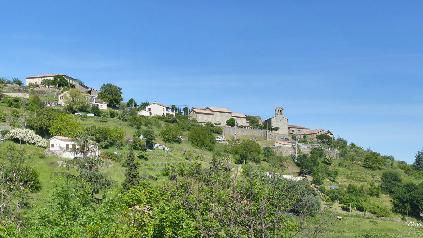 Chazeaux , the perched village